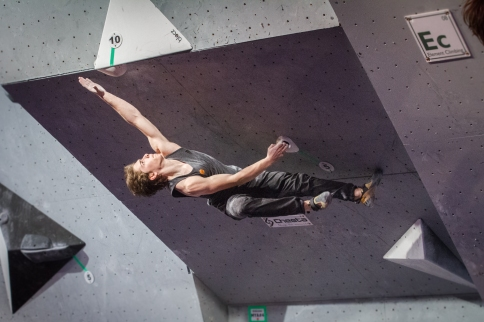 Jordan Fishman at the 2018 USA Climbing Youth Bouldering Nationals